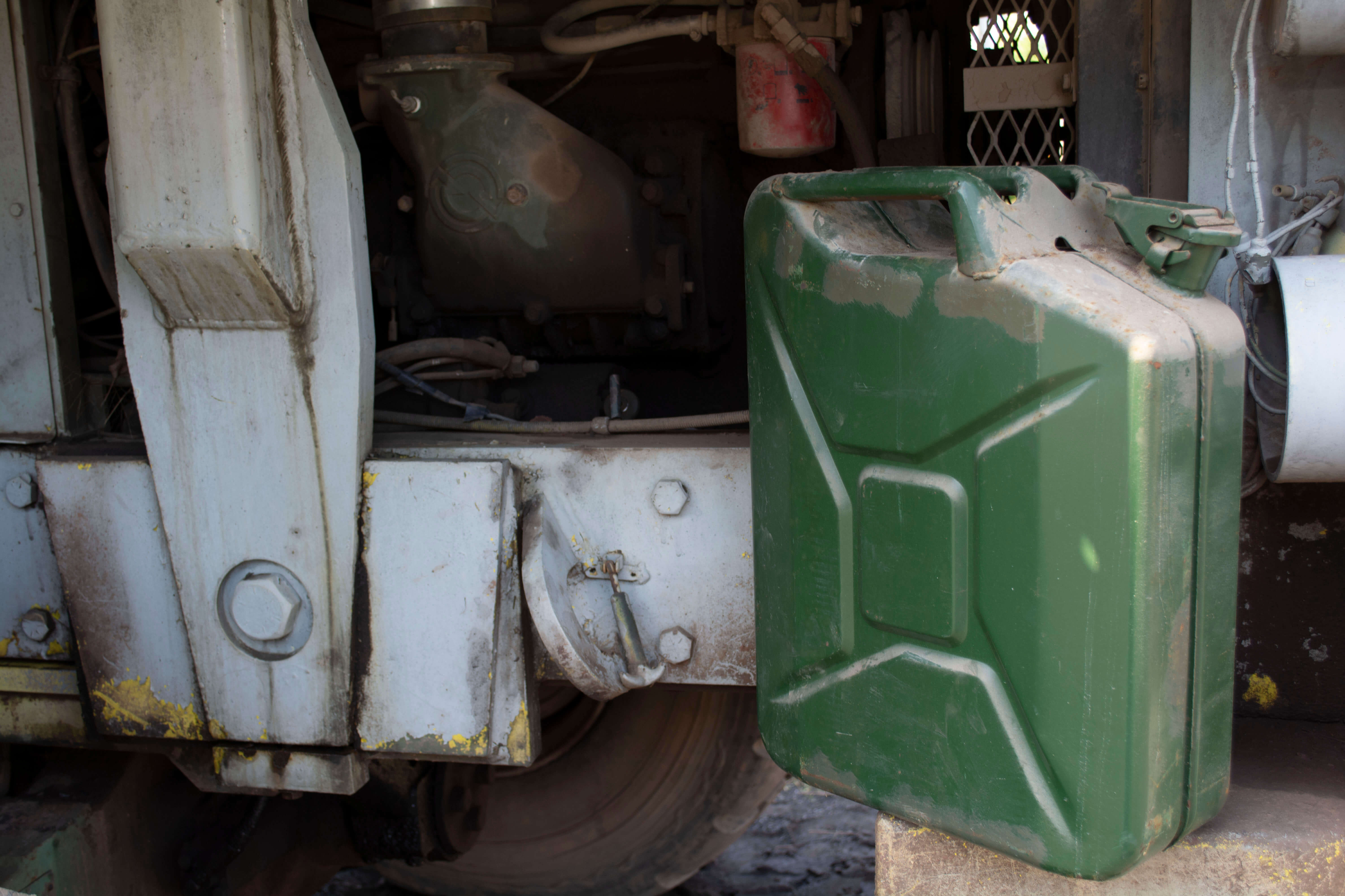 4 Best Useful Military Jerry Cans Ideas